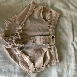 Elison Rd. Khaki shorts - perfect condition